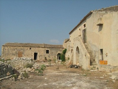 Image 8 | Farmhouse for sale with 1 hectares of land, Sampieri, Ragusa, Sicily 156684