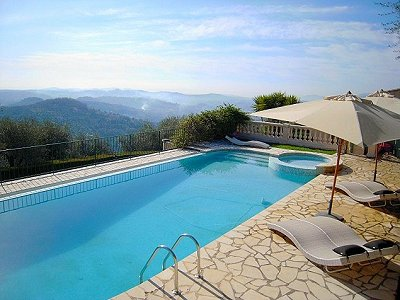 Image 2 | 3 bedroom villa for sale with 1,260m2 of land, Grasse, Provence 156934