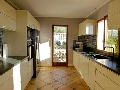 Image 6 | 3 bedroom villa for sale with 1,260m2 of land, Grasse, Provence 156934