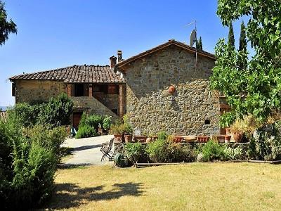 7 bedroom farmhouse for sale, Castelfranco di Sopra, Arezzo, Tuscany