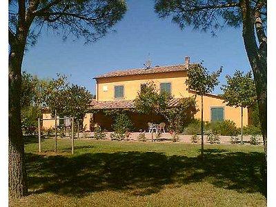 5 bedroom farmhouse for sale, Cortona, Arezzo, Tuscany