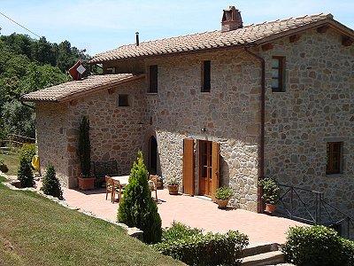 4 bedroom farmhouse for sale, Pescia, Pistoia, Tuscany