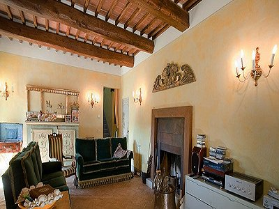 Image 12   17th century Villa and guest house in Arezzo, Tuscany for sale with 600000m2 of land. 157952
