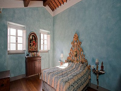 Image 14   17th century Villa and guest house in Arezzo, Tuscany for sale with 600000m2 of land. 157952