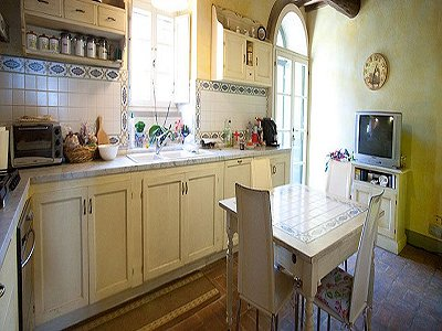 Image 5   17th century Villa and guest house in Arezzo, Tuscany for sale with 600000m2 of land. 157952