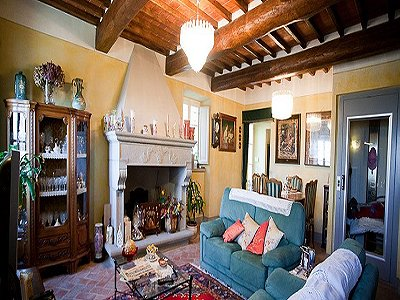 Image 6   17th century Villa and guest house in Arezzo, Tuscany for sale with 600000m2 of land. 157952