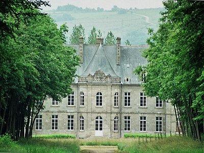Prestigious chateau in Brittany