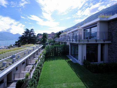Prestigious villa and apartments on the Lake edge