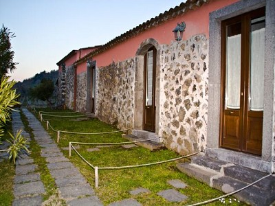 6 bedroom farmhouse for sale, Rovitello, Catania, Sicily