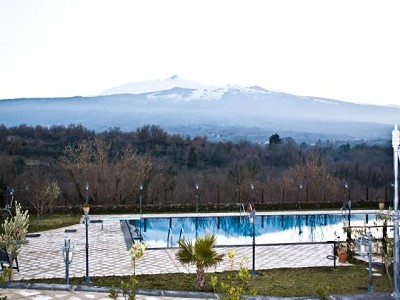 Image 2   6 bedroom farmhouse for sale with 12 hectares of land, Rovitello, Catania, Sicily 161004