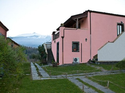 Image 5 | 6 bedroom farmhouse for sale with 12 hectares of land, Rovitello, Catania, Sicily 161004