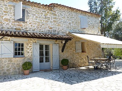 Image 2 | 3 bedroom farmhouse for sale with 0.73 hectares of land, Fayence, Var , Cote d'Azur French Riviera 161340