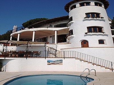 Image 9   3 bedroom villa for sale with 1,295m2 of land, La Montgoda, Lloret de Mar, Girona Costa Brava, Catalonia 162490