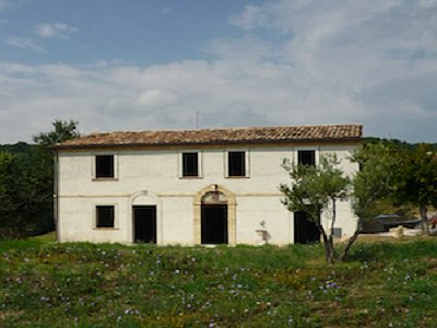 4 bedroom farmhouse for sale, Camporotondo di Fiastrone, Macerata, Marche