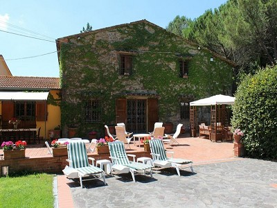 Image 10 | 10 bedroom farmhouse for sale with 2 hectares of land, Bucine, Siena, Tuscany 162769