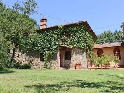 Image 13 | 10 bedroom farmhouse for sale with 2 hectares of land, Bucine, Siena, Tuscany 162769