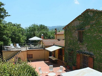 Image 3 | 10 bedroom farmhouse for sale with 2 hectares of land, Bucine, Siena, Tuscany 162769