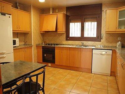 Image 12   5 bedroom villa for sale with 1,146m2 of land, La Montgoda, Girona Costa Brava, Catalonia 163066