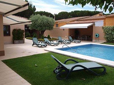 Image 3   5 bedroom villa for sale with 1,146m2 of land, La Montgoda, Girona Costa Brava, Catalonia 163066