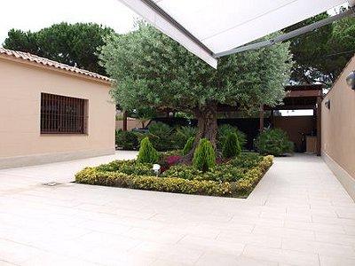Image 8   5 bedroom villa for sale with 1,146m2 of land, La Montgoda, Girona Costa Brava, Catalonia 163066