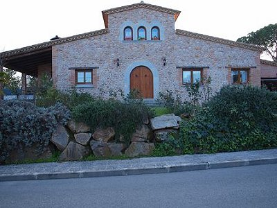 Image 1 | 3 bedroom farmhouse for sale with 1,200m2 of land, Llagostera, Girona Costa Brava, Catalonia 163075
