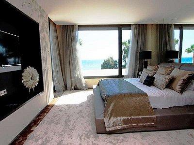 Image 11   5 bedroom villa for sale with 1,579m2 of land, Marbella, Malaga Costa del Sol, Andalucia 164348