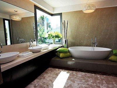 Image 12   5 bedroom villa for sale with 1,579m2 of land, Marbella, Malaga Costa del Sol, Andalucia 164348