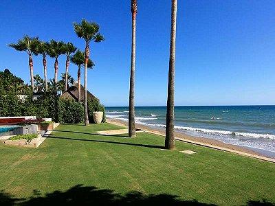 Image 3   5 bedroom villa for sale with 1,579m2 of land, Marbella, Malaga Costa del Sol, Andalucia 164348