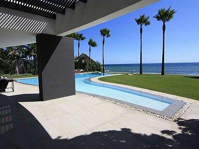 Image 4   5 bedroom villa for sale with 1,579m2 of land, Marbella, Malaga Costa del Sol, Andalucia 164348