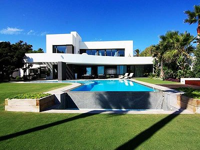 Image 5   5 bedroom villa for sale with 1,579m2 of land, Marbella, Malaga Costa del Sol, Andalucia 164348