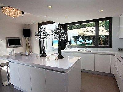 Image 8   5 bedroom villa for sale with 1,579m2 of land, Marbella, Malaga Costa del Sol, Andalucia 164348