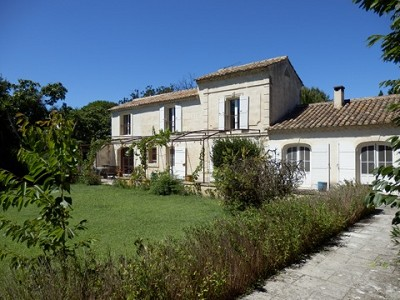 Image 2   4 bedroom farmhouse for sale with 0.71 hectares of land, Alpilles, Vaucluse , Provence 164581