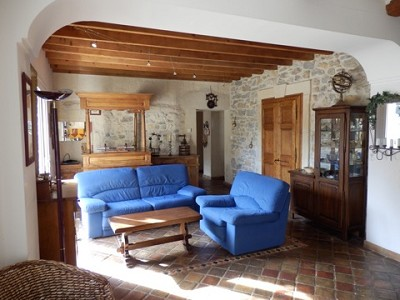 Image 6   4 bedroom farmhouse for sale with 0.71 hectares of land, Alpilles, Vaucluse , Provence 164581