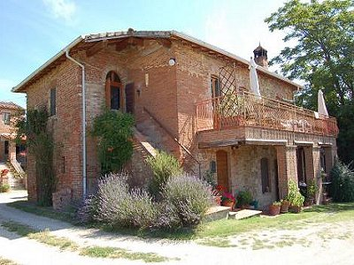 3 bedroom farmhouse for sale, Castiglione del Lago, Perugia, Umbria