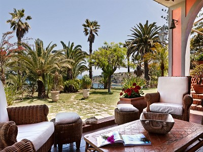 Image 17   8 bedroom villa for sale with 2.5 hectares of land, Augusta, Syracuse, Sicily 165070