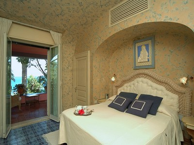 Image 20   8 bedroom villa for sale with 2.5 hectares of land, Augusta, Syracuse, Sicily 165070