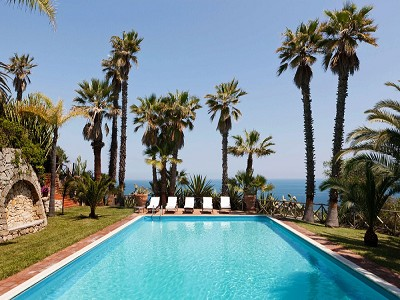 Image 3   8 bedroom villa for sale with 2.5 hectares of land, Augusta, Syracuse, Sicily 165070