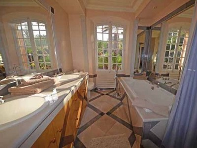 Image 9 | 6 bedroom villa for sale with 0.23 hectares of land, Saint Tropez, St Tropez, French Riviera 167954