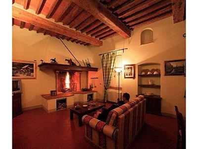 Image 7 | 22 bedroom villa for sale with 1,000m2 of land, San Giustino Valdarno, Arezzo, Tuscany 168387