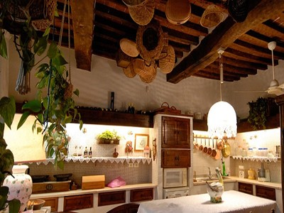 Image 12   6 bedroom farmhouse for sale with 2 hectares of land, Chianti, Siena, Tuscany 170059