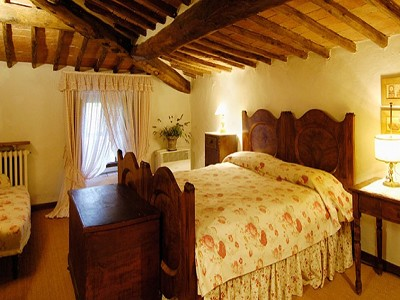 Image 16   6 bedroom farmhouse for sale with 2 hectares of land, Chianti, Siena, Tuscany 170059