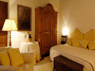 Image 17   6 bedroom farmhouse for sale with 2 hectares of land, Chianti, Siena, Tuscany 170059