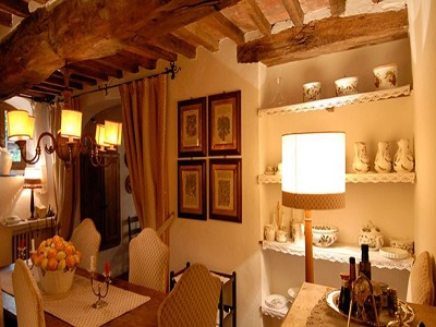 Image 7   6 bedroom farmhouse for sale with 2 hectares of land, Chianti, Siena, Tuscany 170059