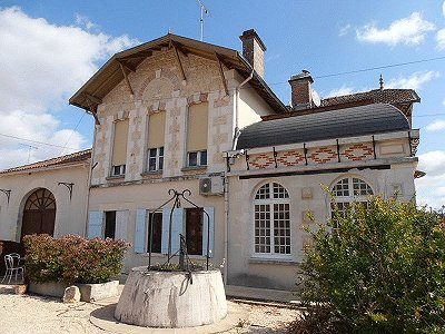 Image 2 | 11 bedroom French chateau for sale with 2.21 hectares of land, Montguyon, Charente-Maritime , Poitou-Charentes 170166