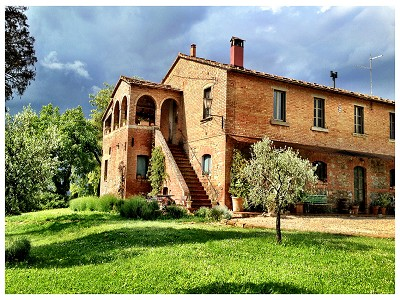 Image 1 | 9 bedroom farmhouse for sale with 0.25 hectares of land, Chiusi, Siena, Chianti 170315