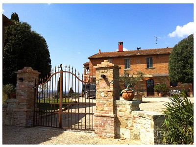 Image 3 | 9 bedroom farmhouse for sale with 0.25 hectares of land, Chiusi, Siena, Chianti 170315