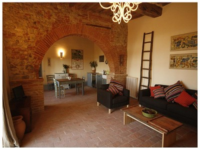 Image 8 | 9 bedroom farmhouse for sale with 0.25 hectares of land, Chiusi, Siena, Chianti 170315