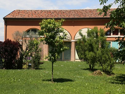 Image 4   A huge  villa with a lovely garden for sale  near Venice 170511