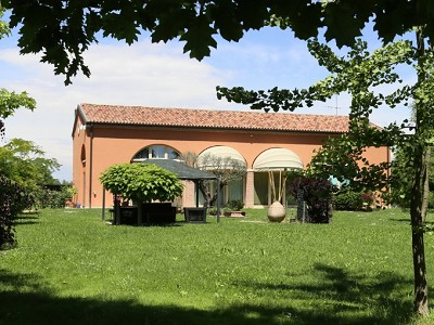 Image 8   A huge  villa with a lovely garden for sale  near Venice 170511