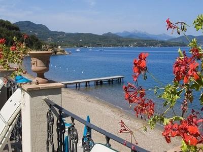 Image 3 | Impressive  luxury villa for sale by the sea  on the island of Elba 170546